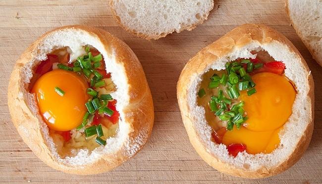 ekmek-canaginda-yumurta-yapimi