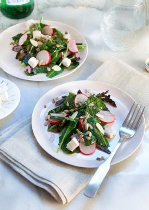 peynirli-tere-salatasi
