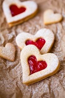 reçelli kalp kurabiye